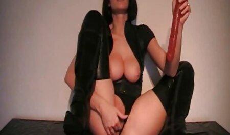Webcam 002 sec hay khong che - Da nâu ngực to