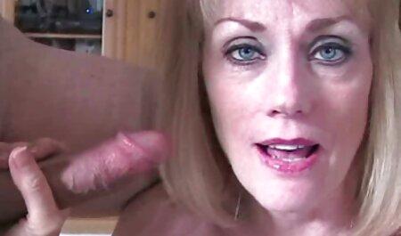Busty Lady hiển thị ngoài phim sec k trờif.