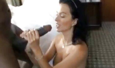 Tittyfucking webcamshow với Alyssa Lynn xem phim sec khong che